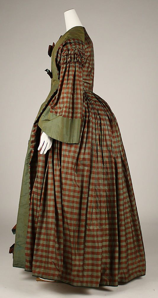 Maternity Dress, 1850s. K says: looks more like a wrapper to me.
