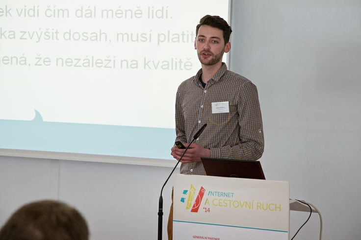 Hlavně inteligentní výraz, žejo... #icr14 #konference @Jakub Křenek na Internet a cestovní ruch ´14