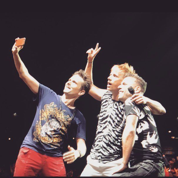 Muse Selfie - Reading Festival 2017