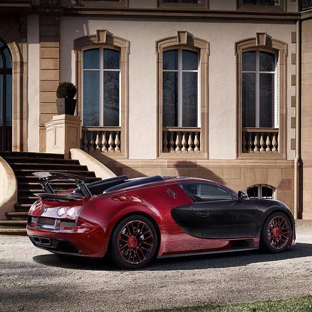 #motorsquare #oftheday : #Bugatti #Veyron #LaFinale what do you think about it?
