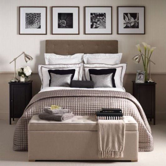 30 Welcoming Guest Bedroom Design Ideas | Decorative Bedroom - like the photos above the bed: