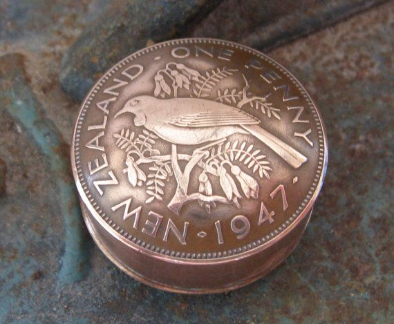 New Zealand 1947 One Penny Coin Pot Snuff Box / Stash Pot  / Keepsake / Pill Box  Handmade In Trench Art Style op Etsy, 23,00 €