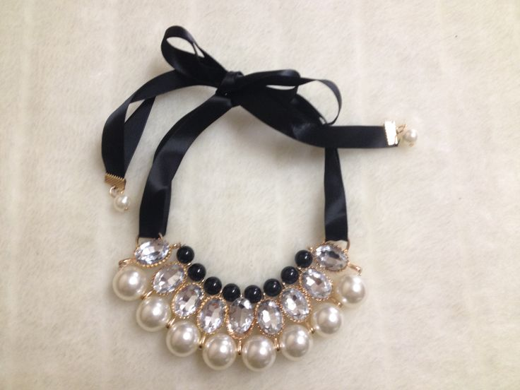 Faux Pearl & Rhinestone Bib Necklace Black/Cream