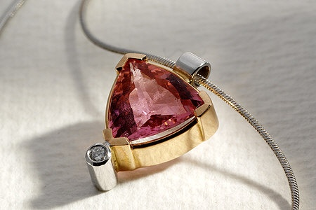 18 ct yellow and white gold necklace with pink tourmaline and diamond