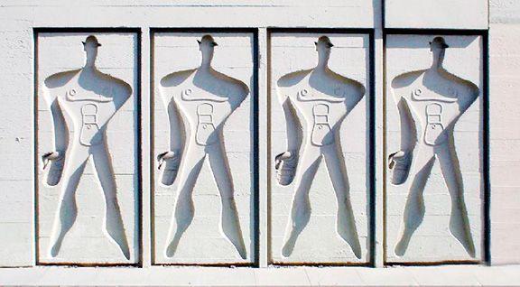 """Изображение """"Модулора"""", системы пропорций, разработанной Ле Корбюзье на основе фигуры человека, украшает стены """"жилой единицы"""" в Берлине"""