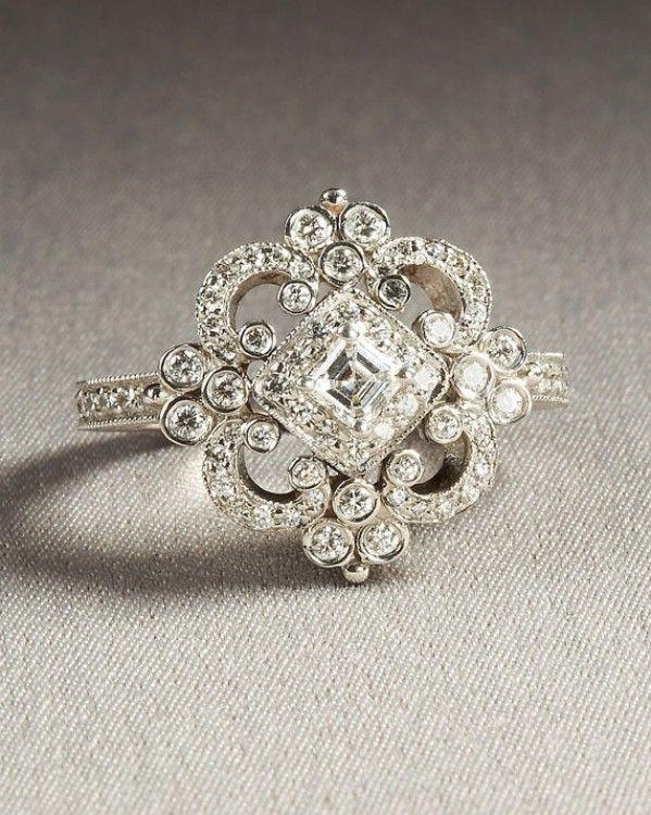 Beautiful vintage diamond engagement ring - Socialbliss