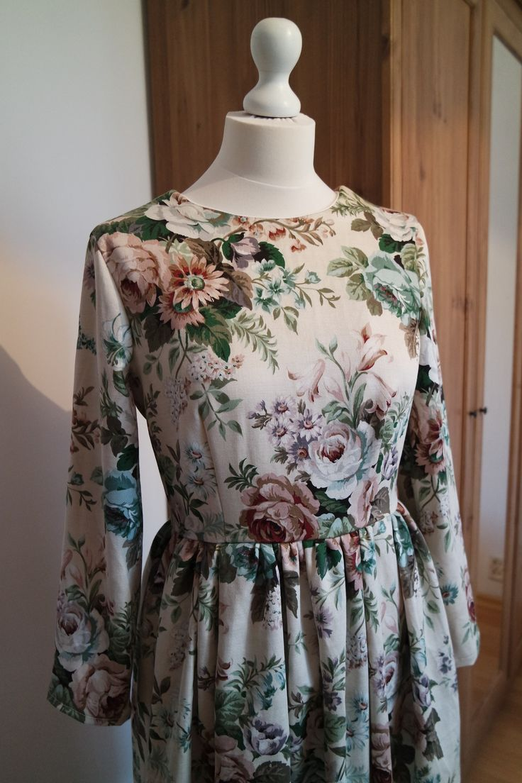 Vintage dress with floral pattern