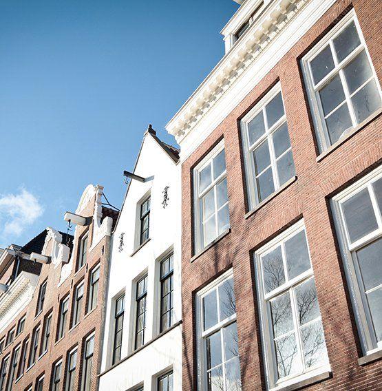 De Groene Grachten helpt u uw woning, kantoor, hotel, museum of kerk energiezuinig te maken met een duurzaam 'Advies op Maat' en begeleiding bij de uitvoer.