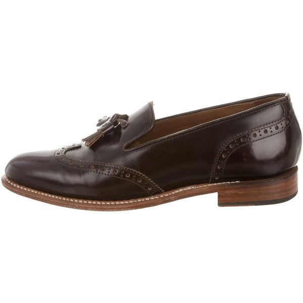 Pre-owned Grenson Wingtip Tassel Loafers ($95) ❤ liked on Polyvore featuring men's fashion, men's shoes, men's loafers, brown, mens brown wingtip shoes, mens tassel loafer shoes, mens brown loafer shoes, mens loafer shoes and grenson mens shoes