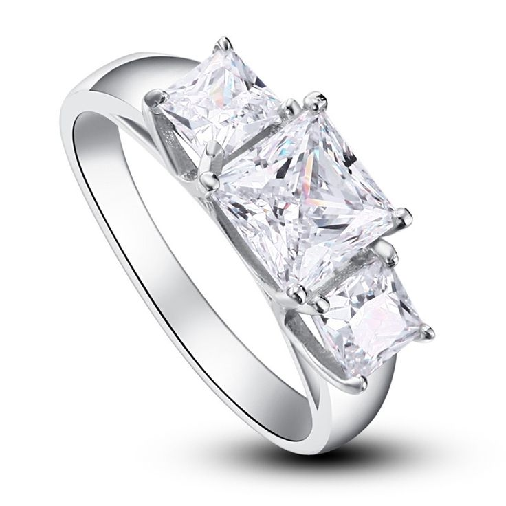 Inel Princess Simulated Diamond Argint 925 http://www.borealy.ro/bijuterii/inele/placate-cu-aur-galben/inel-princess-simulated-diamond-argint-925.html