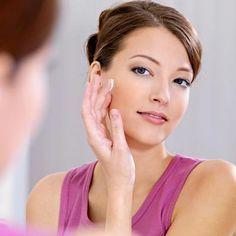 So hilft Zinksalbe gegen Pickelmale und Pickelnarben, die unschönen Rötungen und Flecken heilen ab und verblassen. www.ihr-wellness-magazin.de