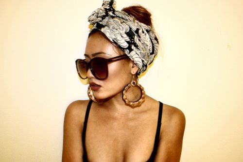 turban and oversized accessories. chic