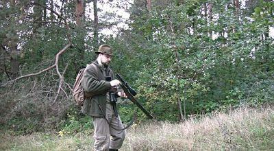 DNES ANGLICKY: Ulovení jelena a pocta ulovené zvěři. Woodland red...
