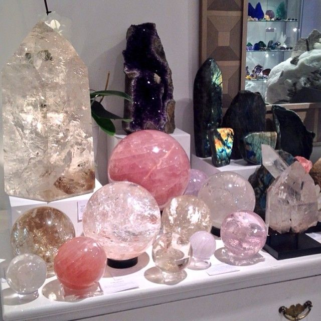 Fallen into heaven at Venusrox with these amazing crystals spheres and labradori
