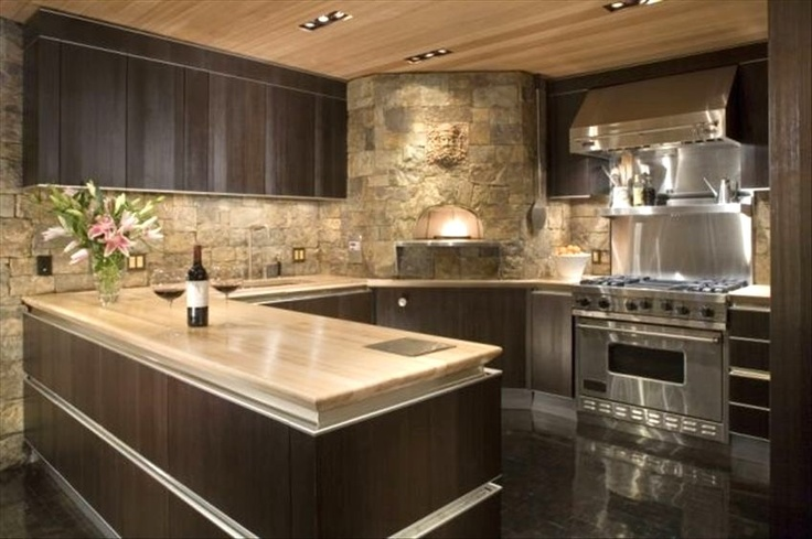 Omg....See the Pizza oven? I want that stove & pizza oven. - ultimate kitchen