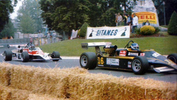 Miguel-Angel Guerra - Minardi GM75 BMW - Minardi Team Srl is about to be lapped by Richard Dallest - AGS JH17 BMW - Écurie Motul GPA (AGS Works) - XL Grand Prix de Pau 1980