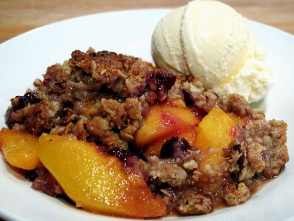Easy Peach Blueberry Crumble