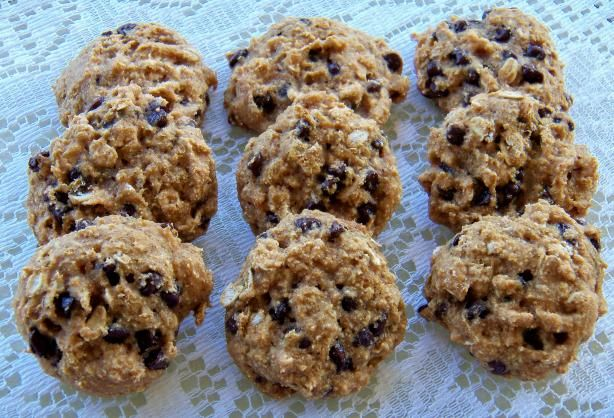 Guilt Free Chocolate Chip Cookie (made with Greek yogurt and applesauce): Guilt Free, Chocolate Chips, Chocolates Chips Cookies, Cookies Recipes, Healthy Recipes, Chocolate Chip Cookies, Free Chocolates, Greek Yogurt, Cookie Recipes