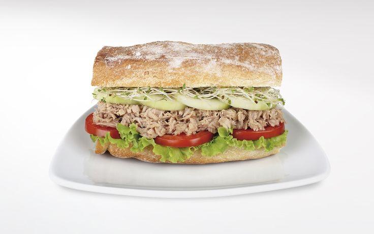 Broodjes zaterdag met tonijn,augurken, olijven -  www.visopzijnbest.nl