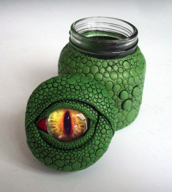 Dragon ojos tarro / vaso arcilla polimérica sobre vidrio