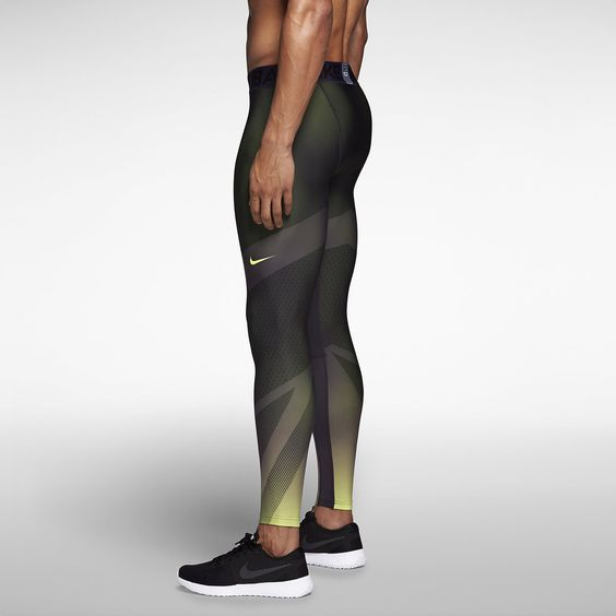 Nike Pro Hyperwarm Dri-FIT Max Chameleon Compression Men's Tights. Nike Store: