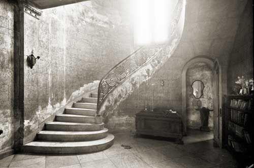 Abandoned villa in Havana