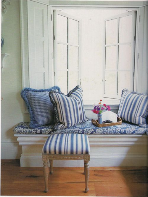 Window Seat Nothing On The Side You Can Tell It Is A Window Seat Because Of The Cushion And