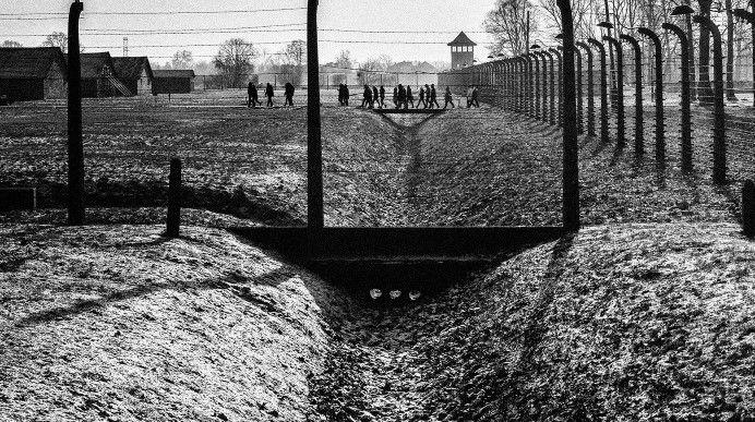 José Luís Santos captou as imagens do famoso campo de concentração nazi em pleno inverno, com 16 graus negativos. A exposição