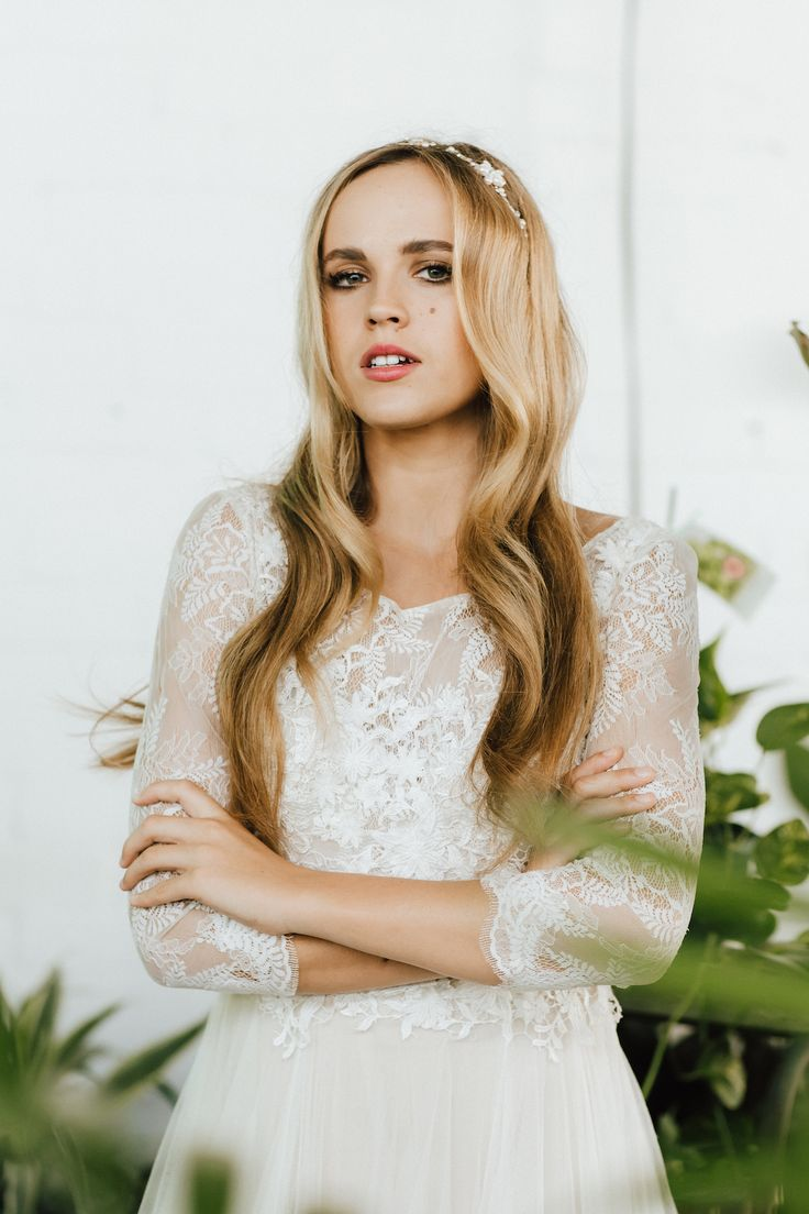 Modern Tropical Bride Inspiration - Polka Dot Bride