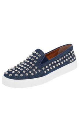 Tênis Santa Lolla Canvas Rebites Azul-Jeans, com revestimento em rebites, acabamento anobucado e detalhe em elástico para melhor calce.