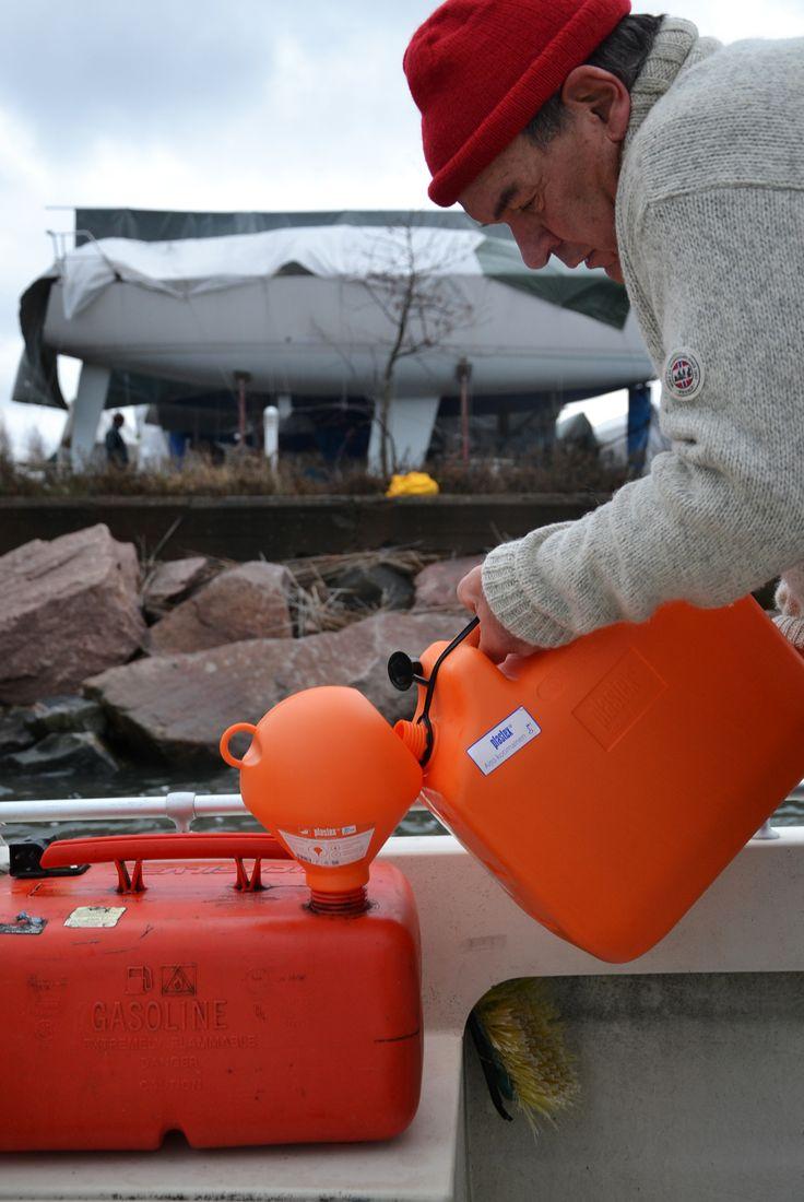 Tankkaaminen ilman haitallisia höyryjä taikka pisaroita mereen! EKOsuppilolla tämä onnistuu! Valmistettu Suomessa