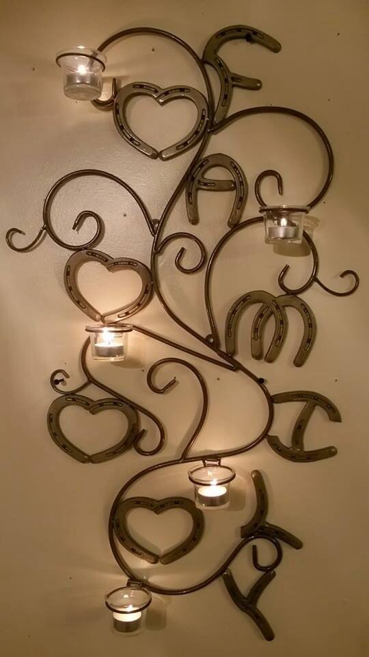 How cool is this horseshoe art!