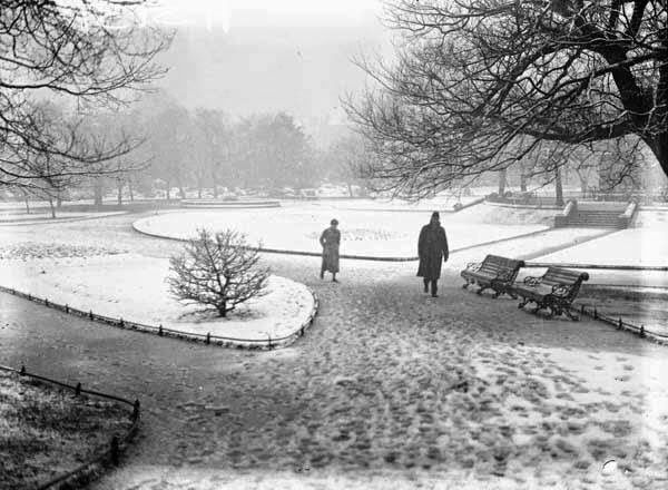 A snowy St Stephen's Green.