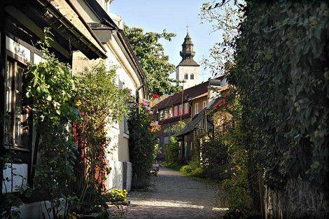 Τα 15 πιο γραφικά σοκάκια του κόσμου: Περπατώντας σε πλακόστρωτα δρομάκια κάτω από ανθισμένα μπαλκόνια [εικόνες]   iefimerida.gr