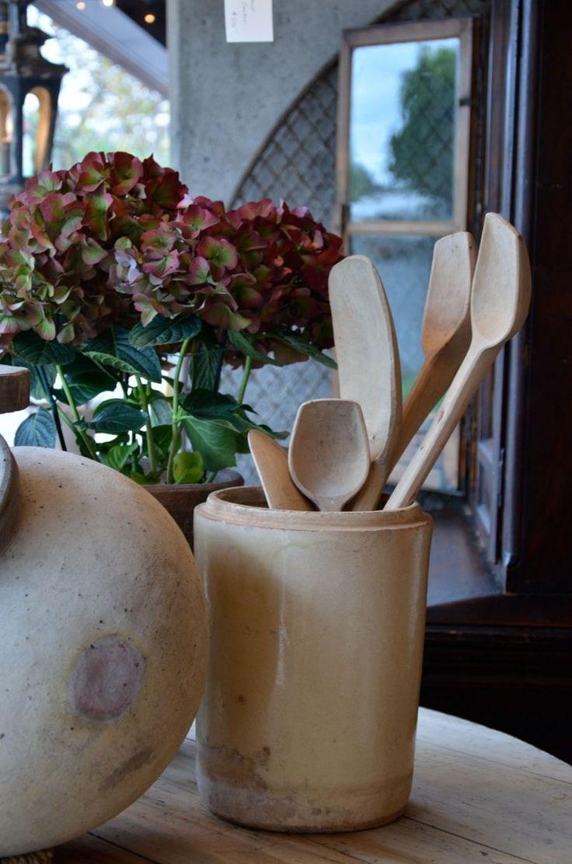 Patina style romantic bedroom - Worn Spoons Patina Styleknick