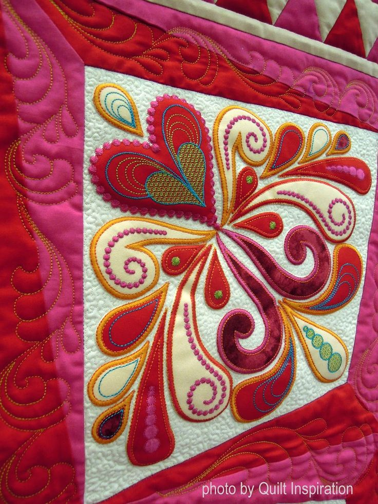 closeup, Hearts 4 You by Ildiko Dancs. Pattern by Sarah Vedeler. Photo by Quilt Inspiration.