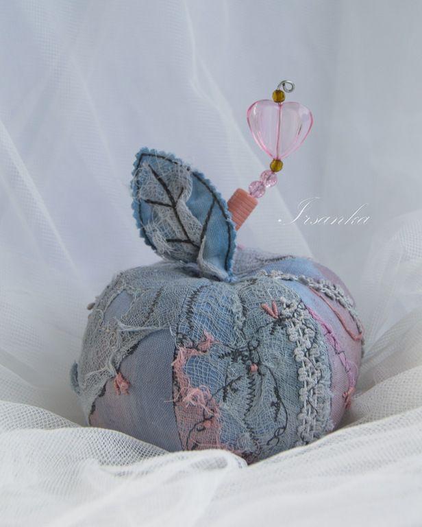 """Купить Яблоко текстильное """"Запах лета"""" - голубой, яблоко, вышивка, ручная вышивка, для интерьера"""