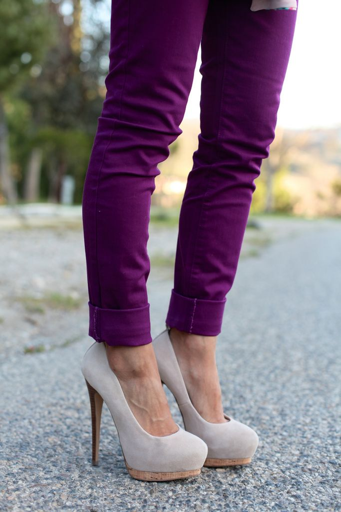 Purple pants with a great pair of pumps. Love!