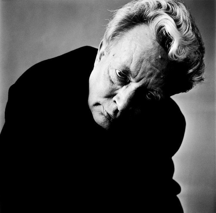 https://artblart.files.wordpress.com/2014/03/ernst-hugo-jaregard-skadespelare-actor-1993-web.jpg
