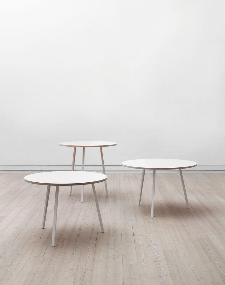 Tisch Loop / Ø 120 cm, Schwarz von Hay finden Sie bei Made In Design, Ihrem Online Shop für Designermöbel, Leuchten und Dekoration.