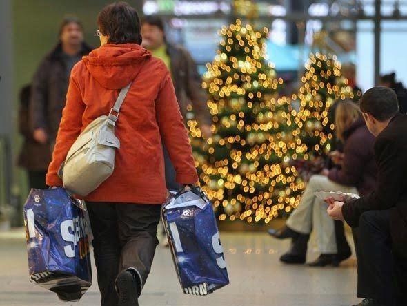 Vendas para o Natal caem 1,7%, revela Serasa Experian | Falando de Varejo