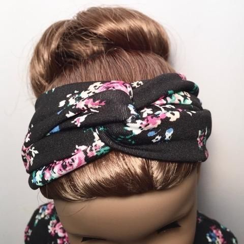 Learn how to make a trendy twisted headband with this quick and easy tutorial that comes to us from Marilyn Clarkin of QTπ Doll Clothing! Once you figure out ho