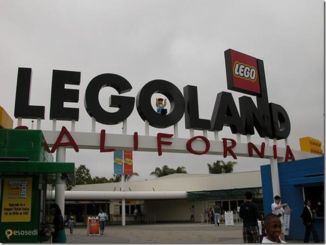 Legoland California – #Соединённые_Штаты_Америки #Калифорния (#US_CA) Умеют американцы создавать прикольные парки развлечений - в этом им не откажешь! LegoLand California - целый город аттракционов, миниатюр известных зданий и фигур в полный рост из конструктора Лего, где прекрасно отдыхают не только дети, но и взрослые.  #достопримечательности #путешествия #туризм http://ru.esosedi.org/US/CA/1000050681/legoland_california/