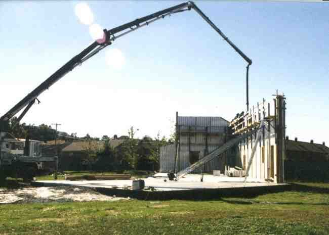 Concrete Pour With Boom Truck In Icf Wall Construction Concrete Icf Walls Boom Truck