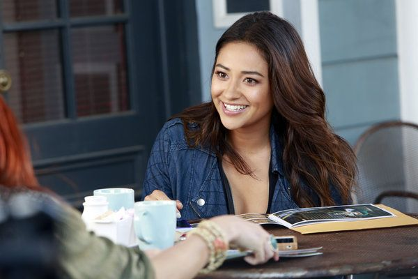 Do you love Pretty Little Liars? Check out these clips from Tuesdays ALL NEW episode.
