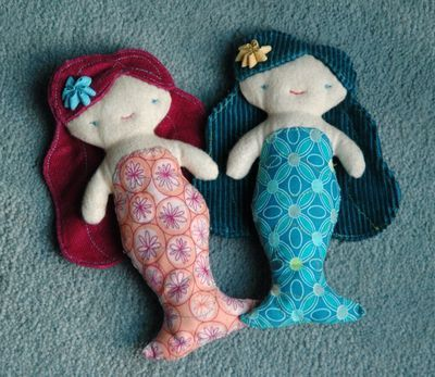 DIY would be adorable as a swimming/mermaid party favor!