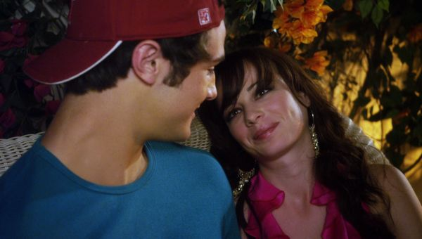 Jenna spends some alone time with Matty during her party.