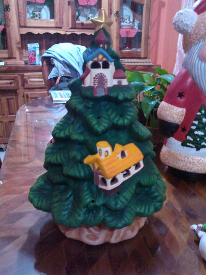 Lampara rbol de navidad grande cer mica pintada a for Decoracion navidena artesanal