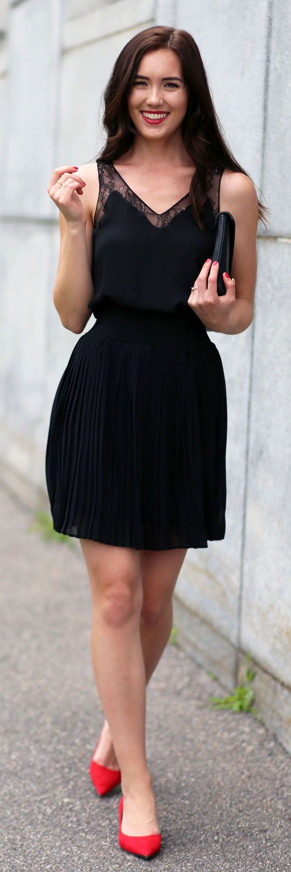 How to style an ALL BLACK outfit in SUMMER - pop of red pumps!! Top is 30% off, and this pleated skirt is a must all year long! By fashion blogger Marie's Bazaar
