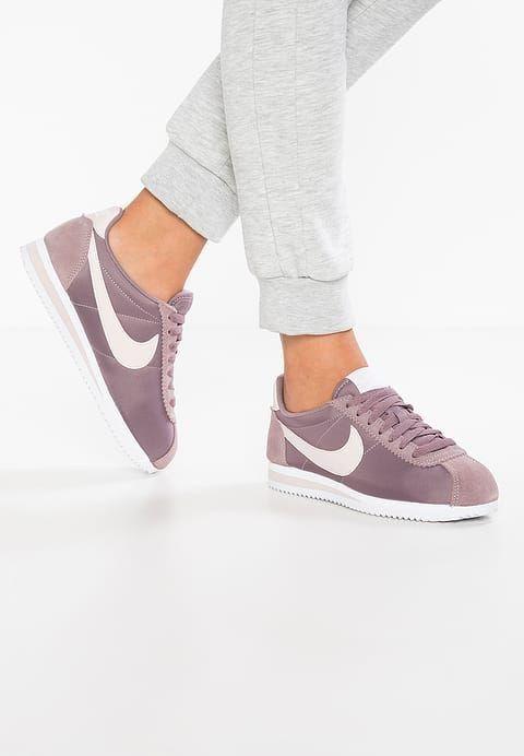 best service bad31 88a65 Nike Cortez. Nike Sportswear, Nike Cortez Femme, Nike Classic Cortez, Bas  Nike